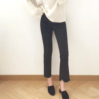 643302 - 纯黑色的裤子