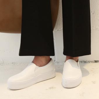 646760 - 宽防滑鞋