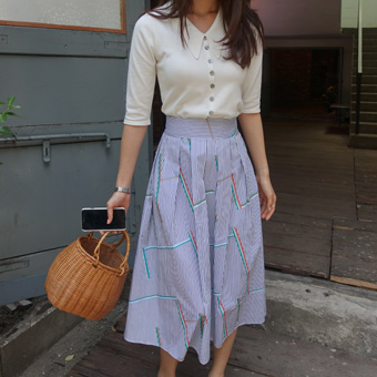 681267 - 棒彩色裙子