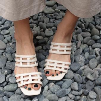 703782 - 阶梯凉鞋鞋