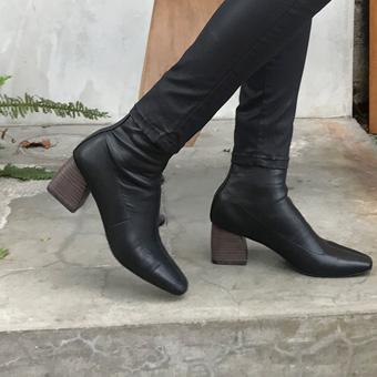 727532 - 谈短靴鞋