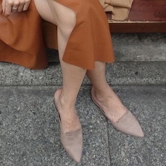 726147 - 软鞋的女人