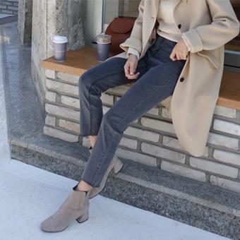 733352 - 灰色裤子奥尔森