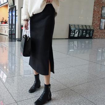 738657 - 羊毛缝裙子